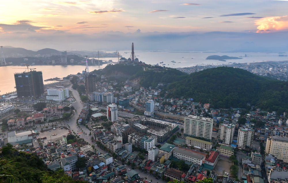 """Quảng Ninh: Từ """"vô danh"""" đến nam châm trên bản đồ bất động sản"""