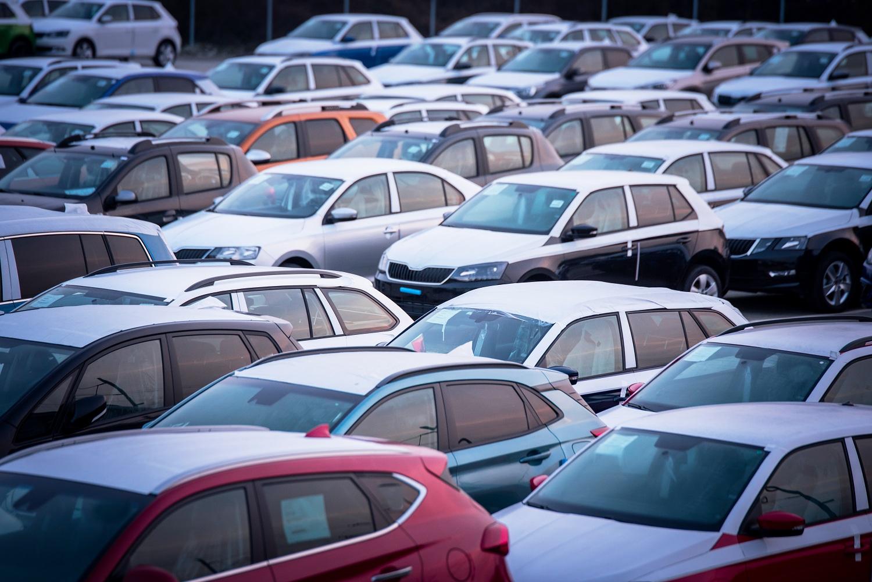 Thị trường xe ô tô ngày càng sôi động.