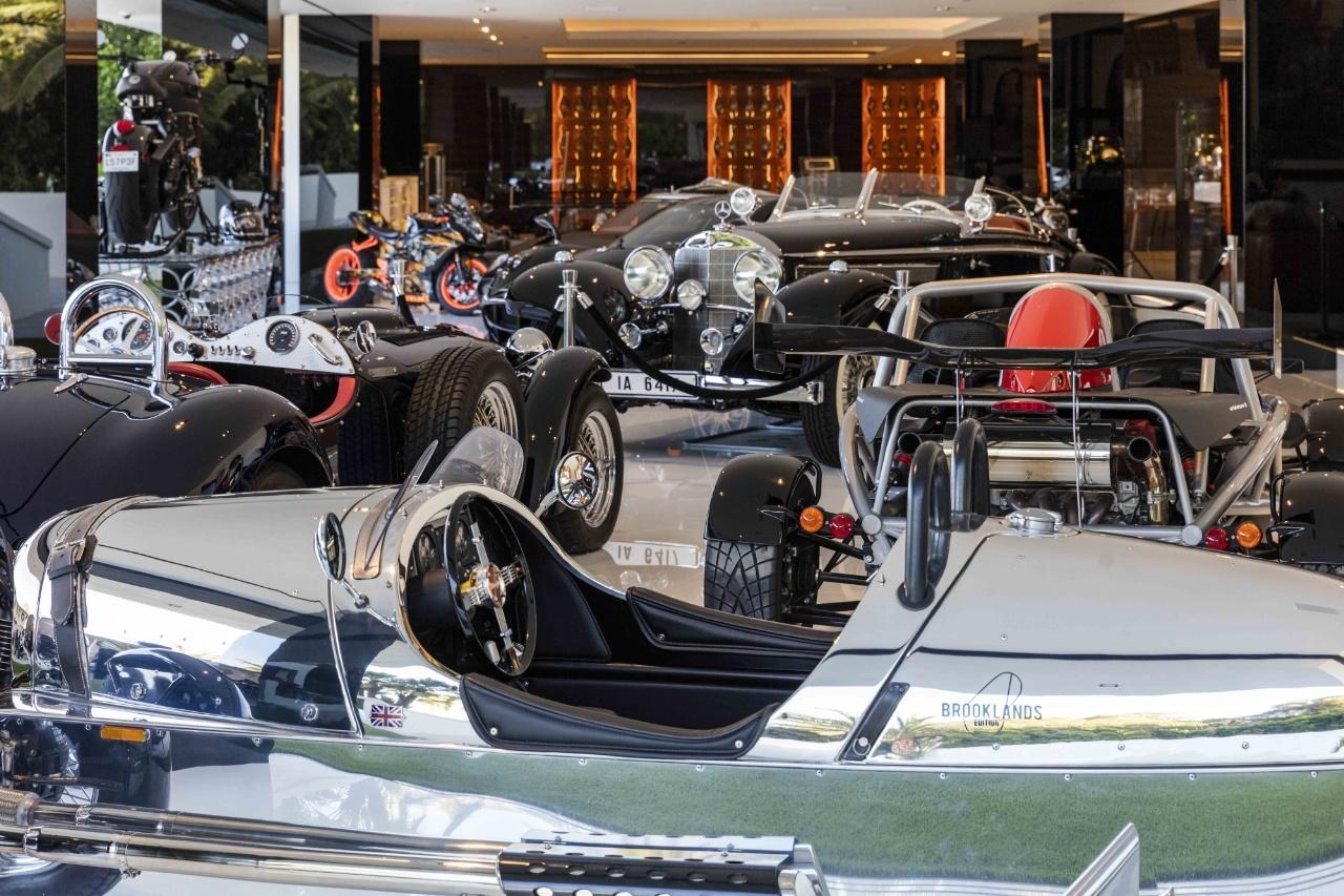 Một phòng triển lãm xe hơi cổ với giá 30 triệu đô-la.