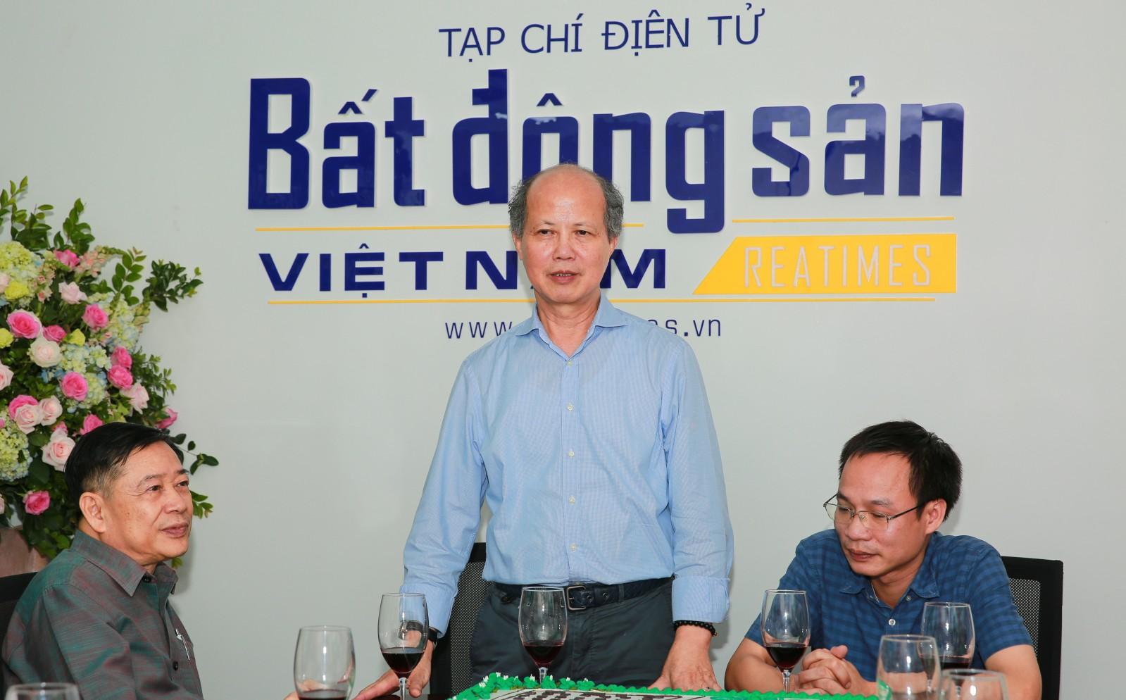 Chủ tịch Hiệp hội BĐS Việt Nam tin tưởng Reatimes sẽ tiếp tục phát triển mạnh mẽ