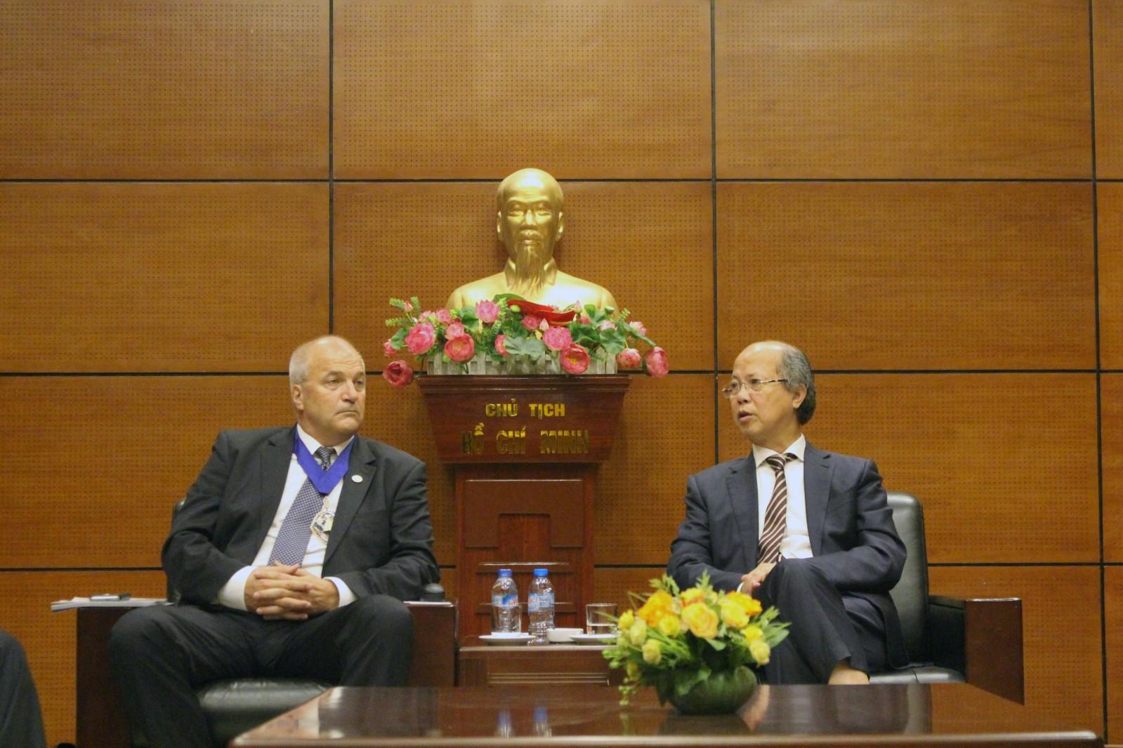 Chủ tịch Nguyễn Trần Nam tiếp đoàn Liên đoàn bất động sản Thế giới (FIABCI)