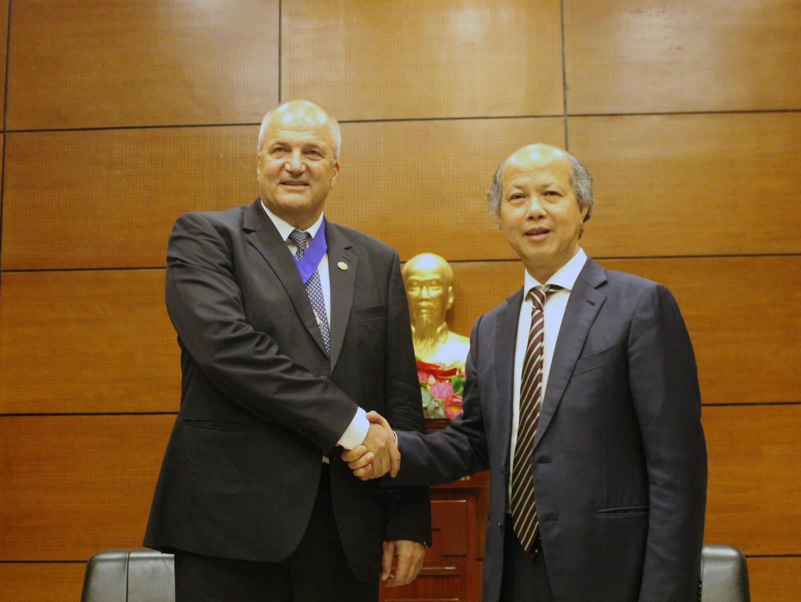 Việt Nam sẽ là một thành viên chung tay góp sức tổ chức các sự kiện lớn một cách thành công.