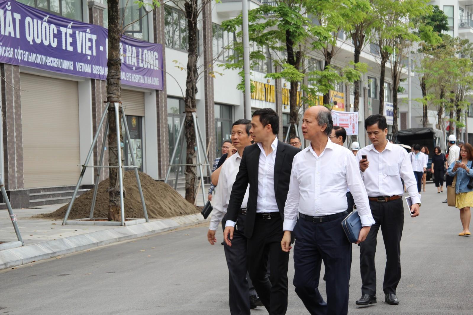 Đoàn làm việc khảo sát dự án Mon Bay Hạ Long