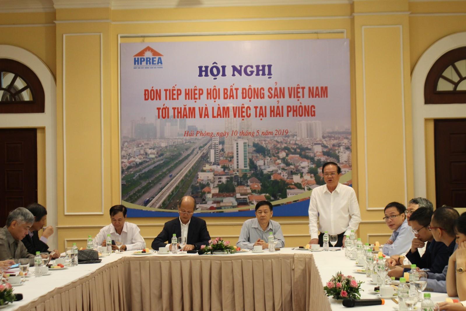 Ông Nguyễn Ngọc Thành chia sẻ tại buổi làm việc về thị trường bất động sản Hải Phòng