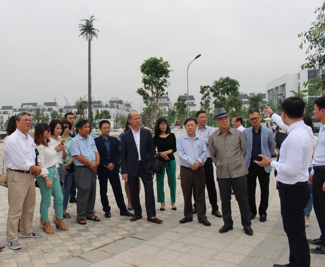 Đoàn Hiệp hội ghé thăm dự an Dự án Vinhomes Imperia của Tập đoàn Vingroup