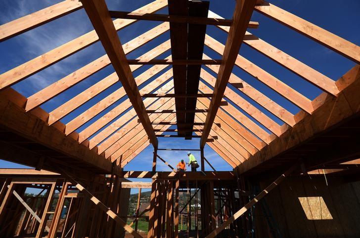 Công nhân thi công xây dựng nhà riêng ở San Diego, bang California, Mỹ
