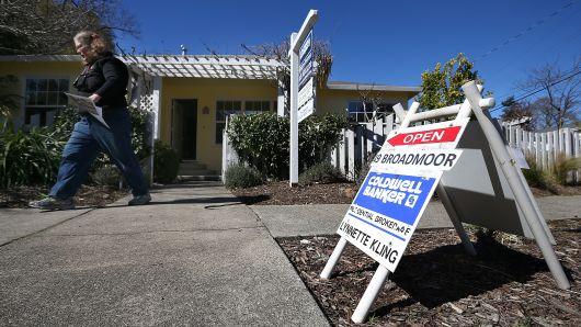 Một ngôi nhà được rao bán tại thành phố San Anselmo, bang California, Mỹ