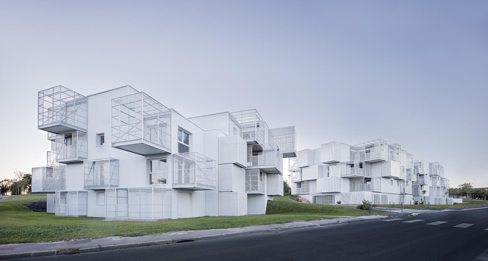 White Clouds / POGGI & MORE architecture