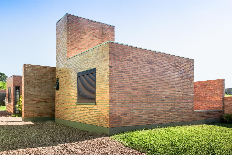 Gutter House / Núcleo de Arquitetura Experimental