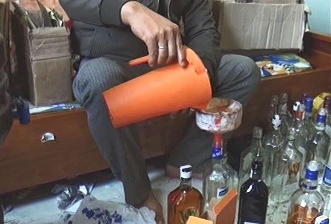 Quy trình sản xuất rượu giả mang mác ngoại