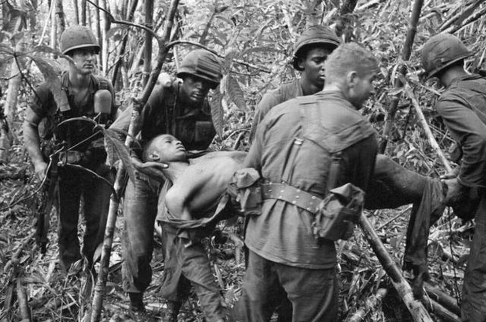 Những cảnh tượng như thế này còn ám ảnh các cựu binh Mỹ rất lâu nữa.
