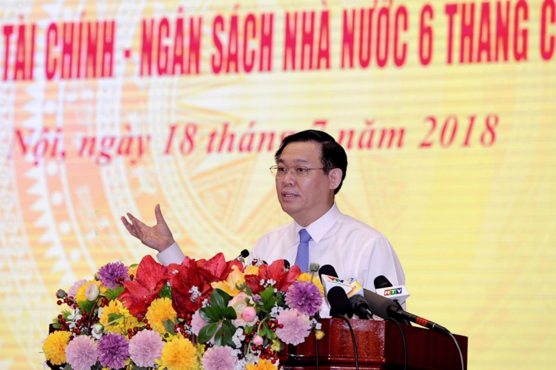 Phó Thủ tướng Vương Đình Huệ phát biểu tại hội nghị. Ảnh: Enternews.