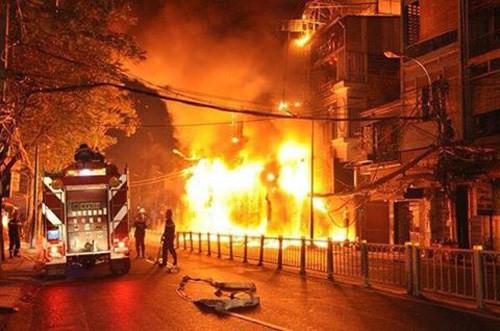 TPHCM: Gần 100.000 căn nhà có nguy cơ cháy nổ