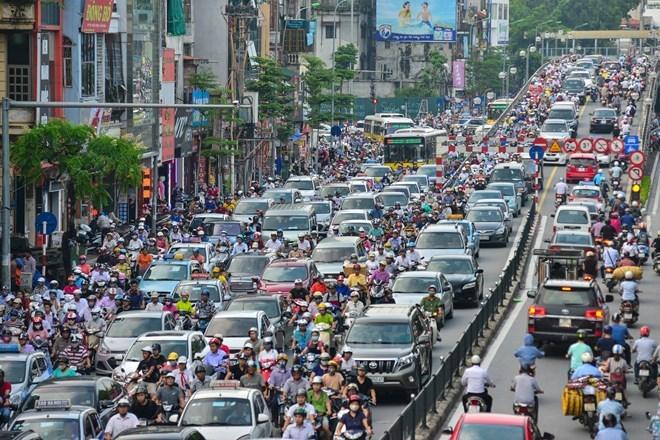 Khi trung bình mỗi ngày Hà Nội có thêm 1.000 chiếc ô tô đăng ký mới, việc thiếu bãi đỗ xe ô tô đang trở nên trầm trọng