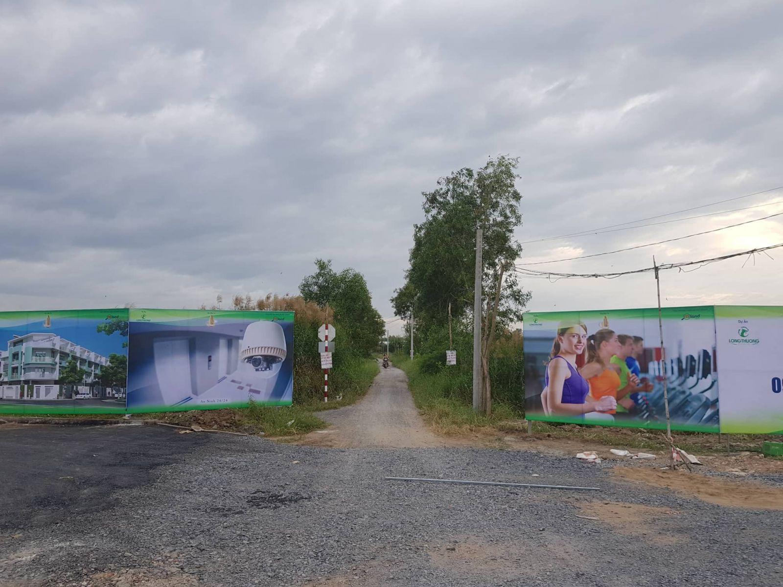 Chủ đầu tư dự án Trị Yên Riverside ngang nhiên lập hàng rào xung quanh khu dân cư.