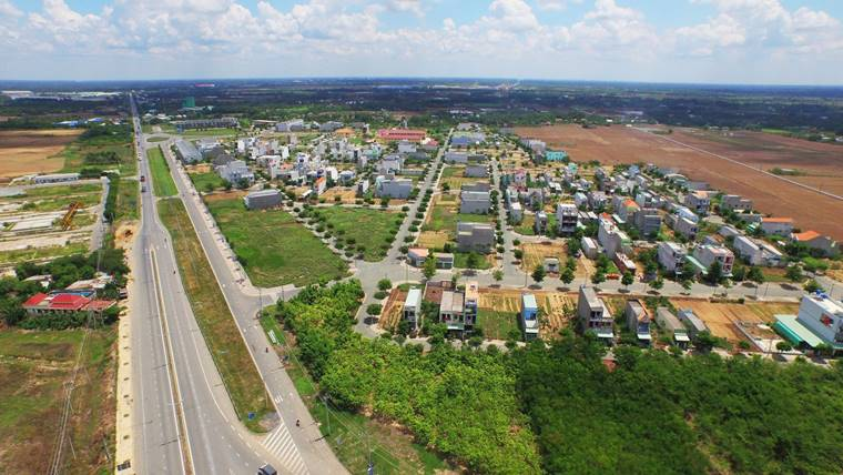 Đất nền vùng ven TP.HCM vẫn là kênh đầu tư thu hút giới địa ốc.