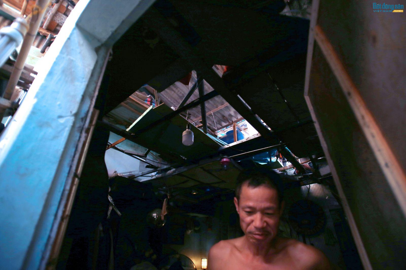 Căn nhà của gia đình anh Nguyễn Thắng lụp xụp, xuống cấp nghiêm trọng.