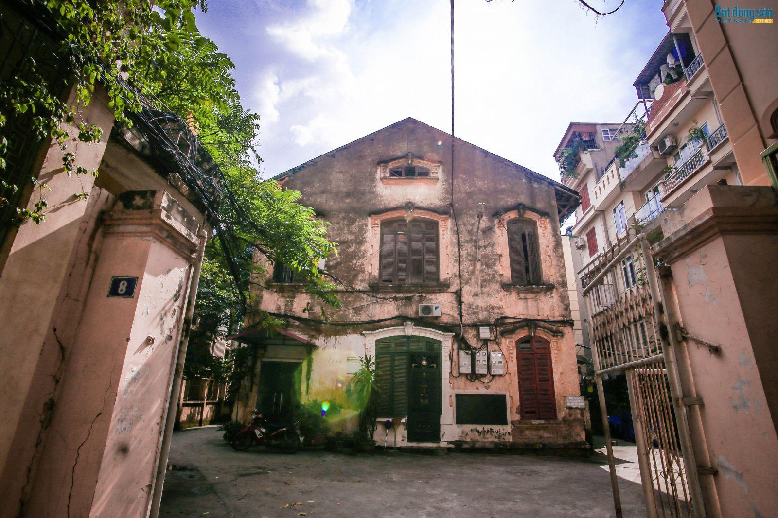 Căn biêt thự cũ ở số 8 Tăng Bạt Hổ. Ảnh: Đỗ Linh.
