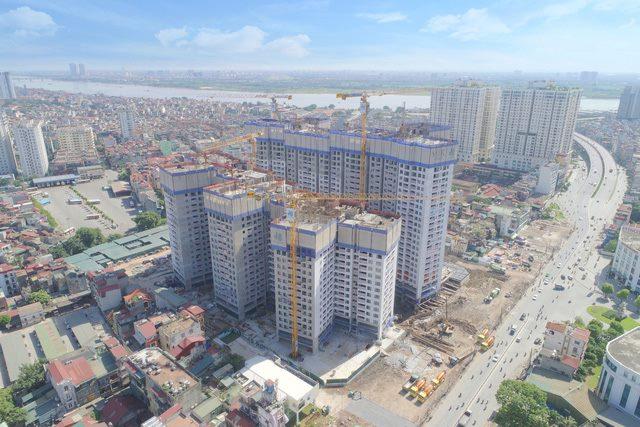 Dự án Imperia Sky Garden đã chính thức cất nóc tòa căn hộ đầu tiên.