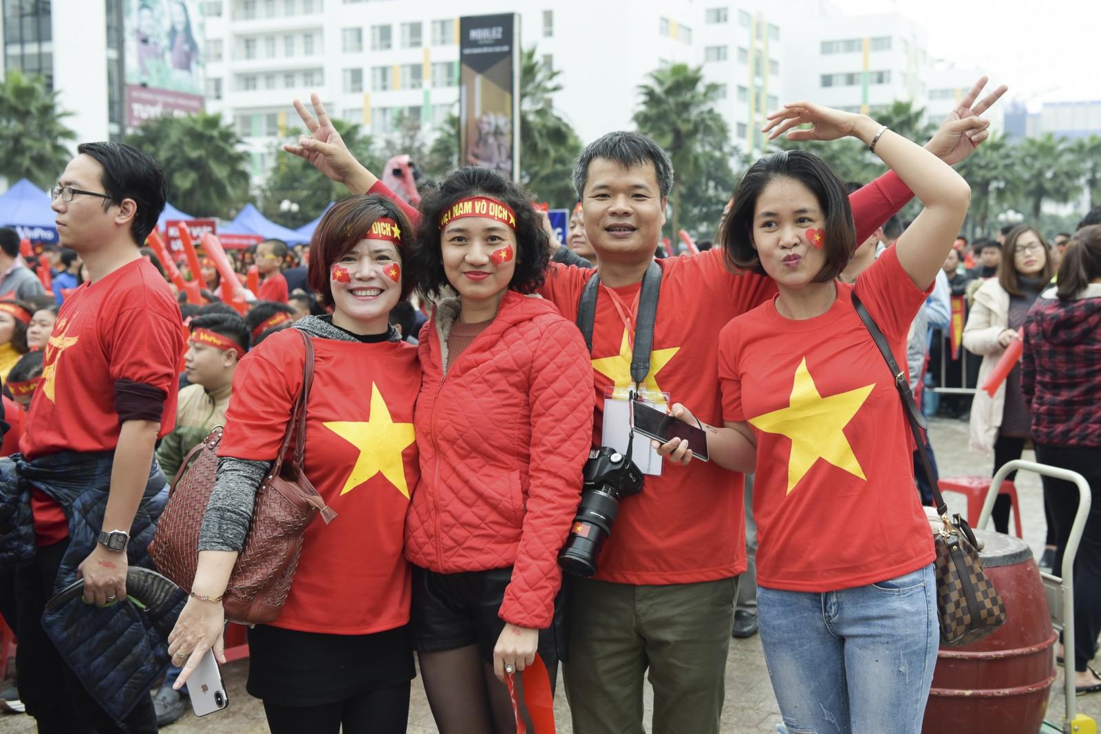 Cuồng nhiệt Làng Times với U23 Việt Nam