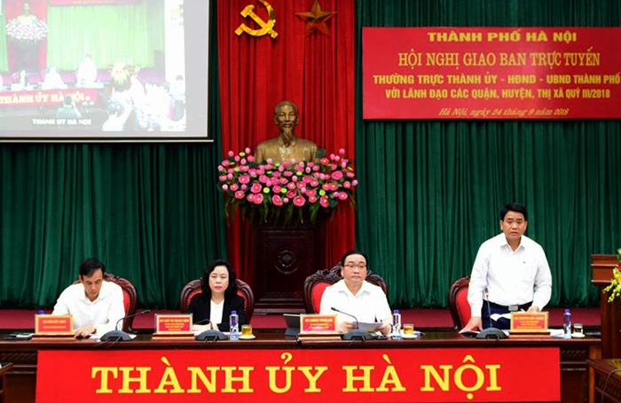 Chủ tịch UBND TP Nguyễn Đức Chung điều hành hội nghị.