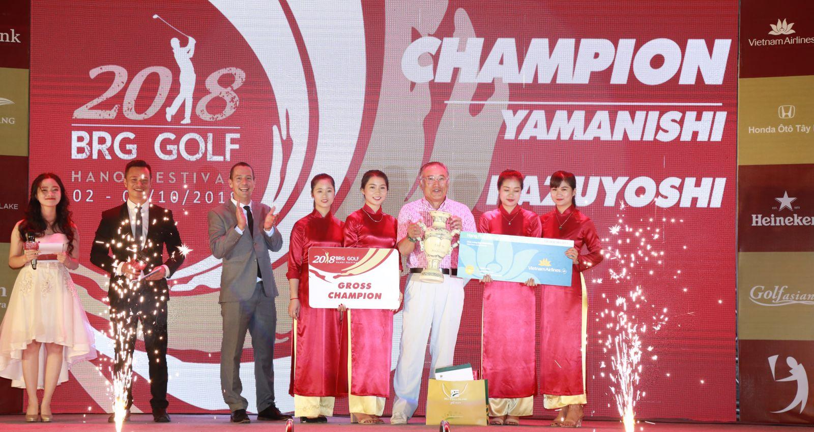 Gôn thủ Nhật Bản Yamanishi Kazuyoshi giành chức vô địch BRG Golf Hà Nội Festival 2018.