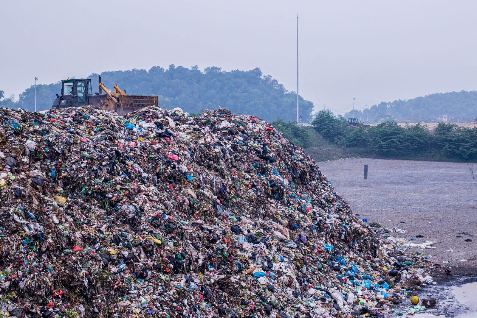 """Quy hoạch bãi rác: Bi kịch """"nhà giàu cũng khóc"""" và những cái """"chết"""" được báo trước"""