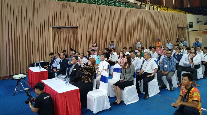 TS. Mai Văn Thanh trình bày về sản phẩm S95 tại hội thảo