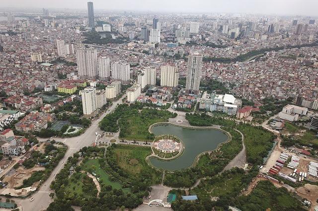 Một góc đô thị Hà Nội với những mảng xanh. Ảnh: Công Hùng