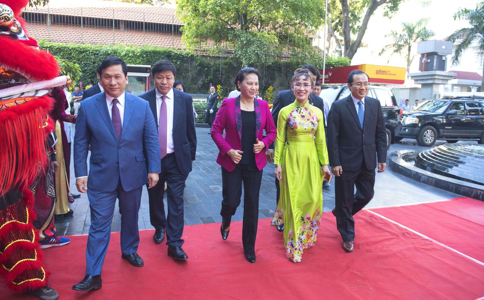Chủ tịch Quốc hội Nguyễn Thị Kim Ngân thăm và chúc Tết tập đoàn Sovico