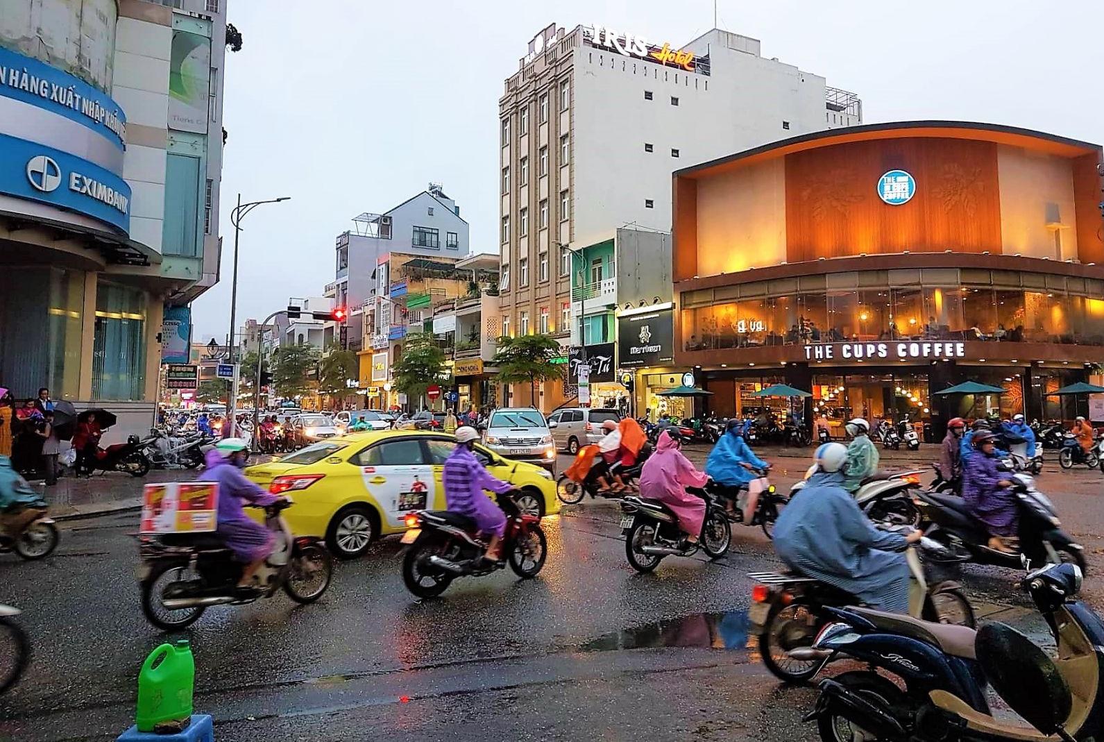 Một góc đường giao giữa Lê Duẩn - Ông Ích Khiêm, thuộc trung tâm TP. Đà Nẵng