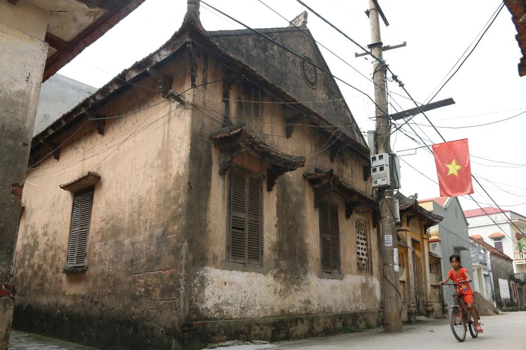 Nhiều ngôi nhà cổ được giữ nguyên trạng hơn 100 năm nay
