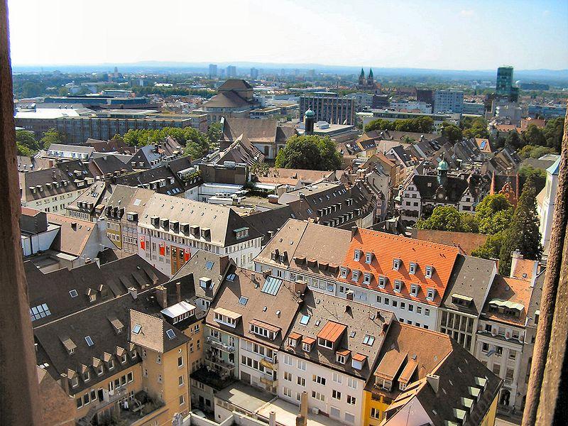 Phát triển thành phố carbon thấp là giải pháp tất yếu.