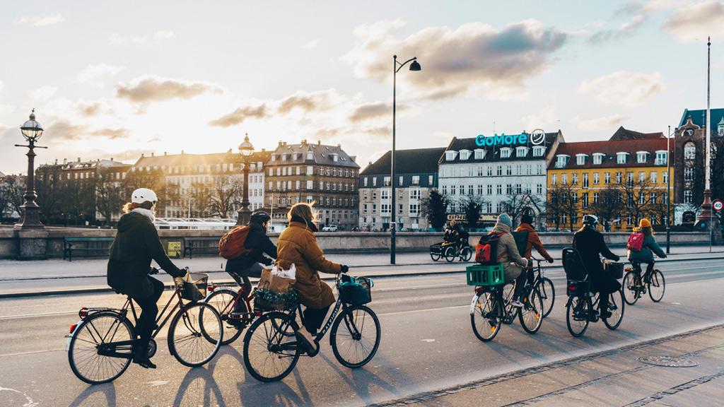 thủ đô Copenhagen thanh bình, không khói bụi bởi thiết kế đô thị luôn được ưu tiên cho xe đạp.