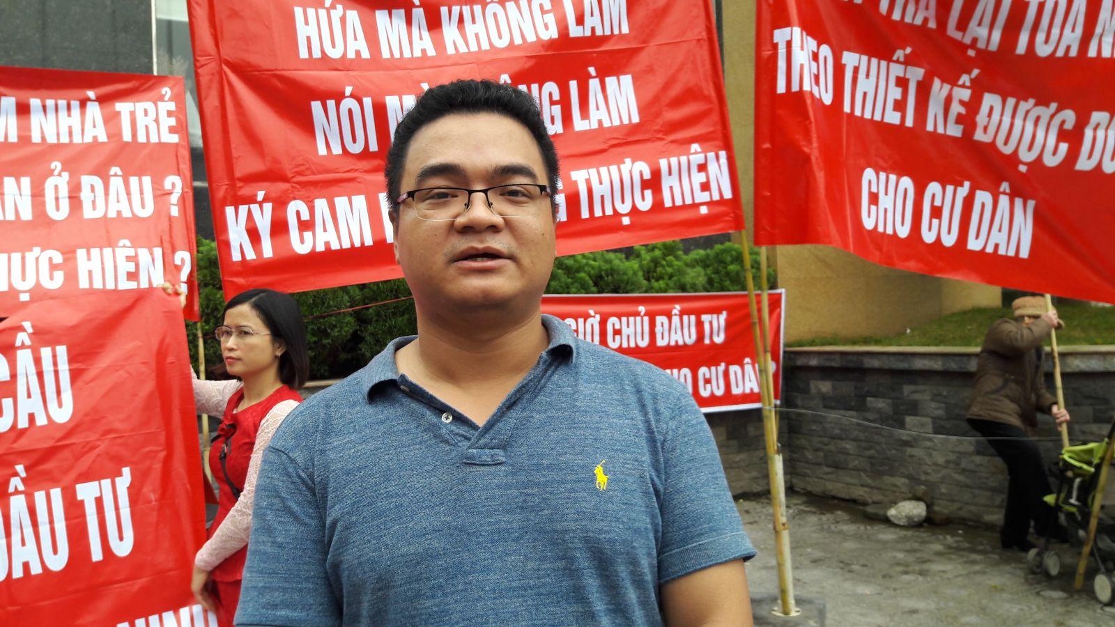 """Chung cư 25 Tân Mai (Hà Nội): Cư dân căng băng rôn """"tố"""" hàng loạt sai phạm của chủ đầu tư"""