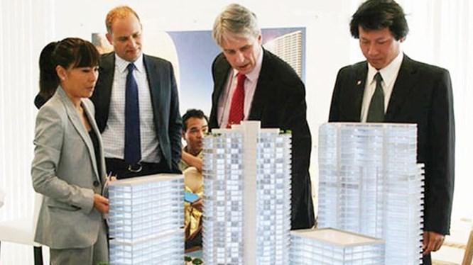 """Nên nới room cho người nước ngoài mua nhà để """"giải cứu"""" phân khúc cao cấp?"""