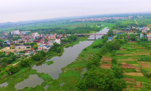 Con đò và cây cầu qua sông Đáy