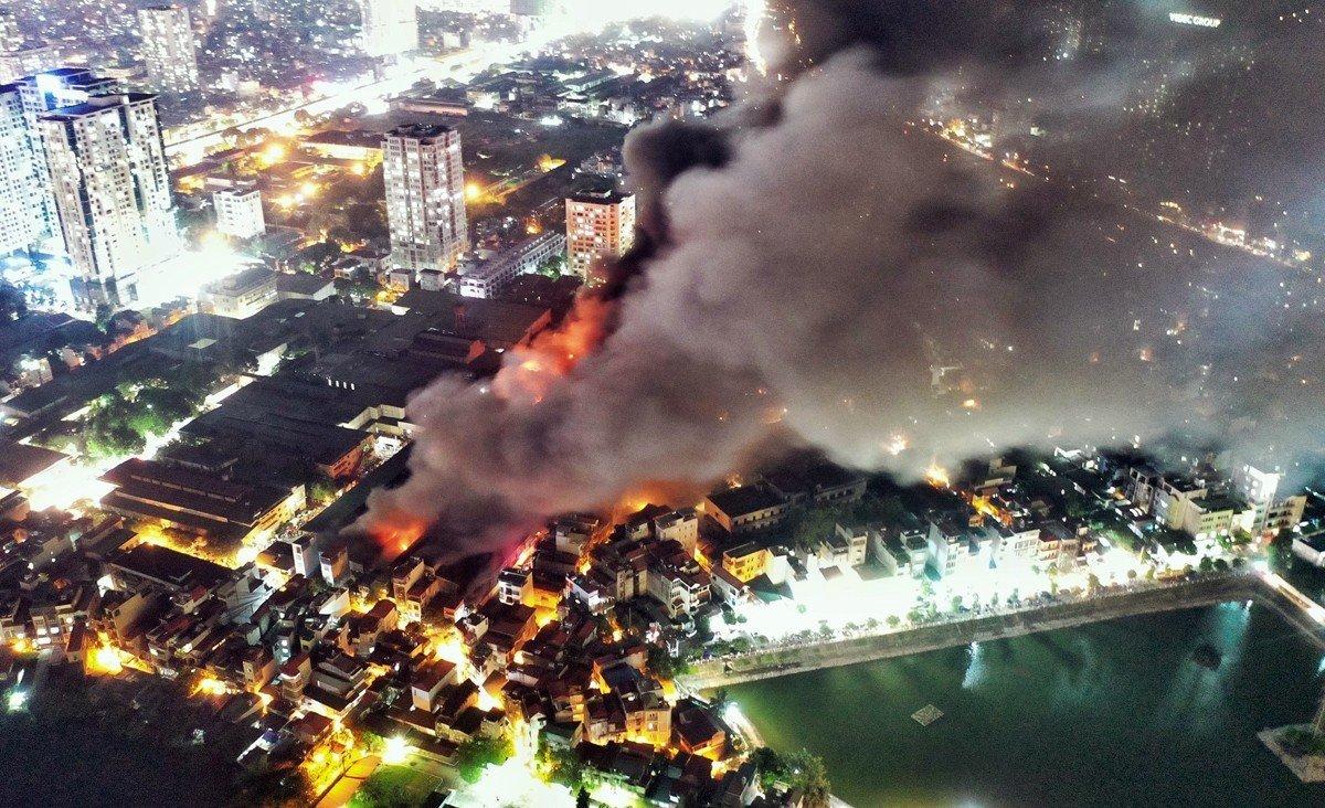 Ngẫm từ vụ cháy ở nhà máy Rạng Đông...