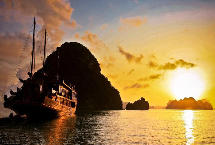 """Xứ sở """"vàng đen"""" có mặt trời trên biển"""