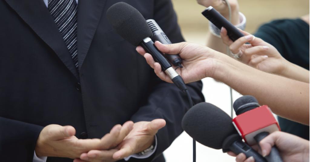 Nhà báo và doanh nhân