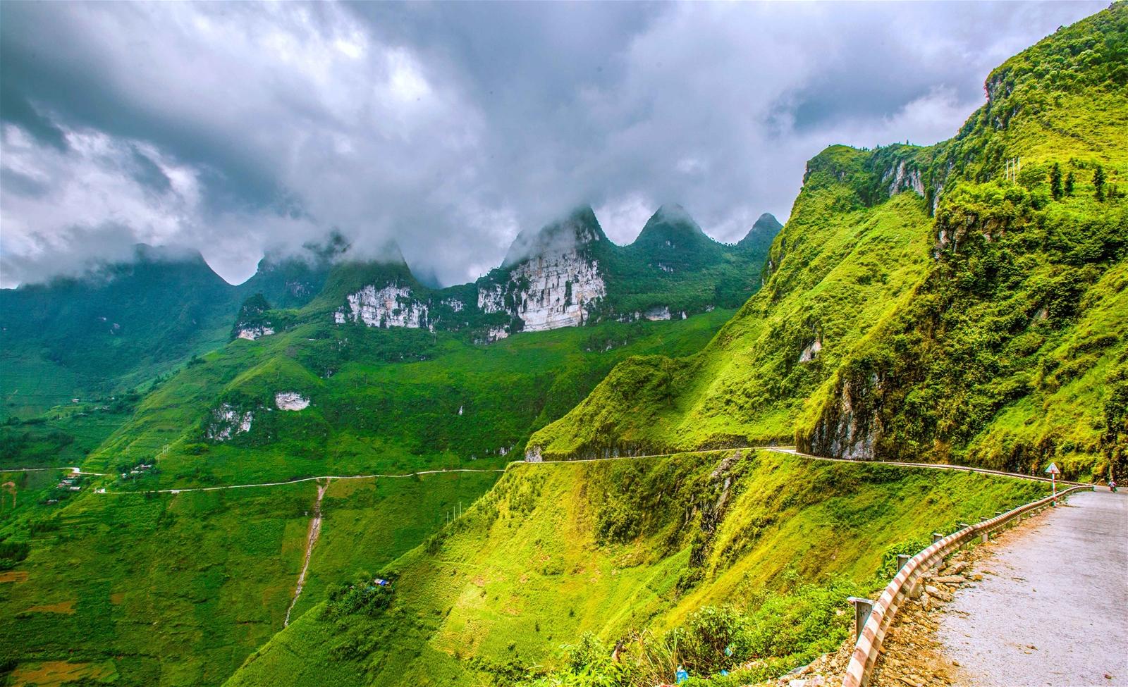 Kỳ 1: Mã Pì Lèng - hùng vĩ cung đèo cheo leo theo 9 khoanh núi