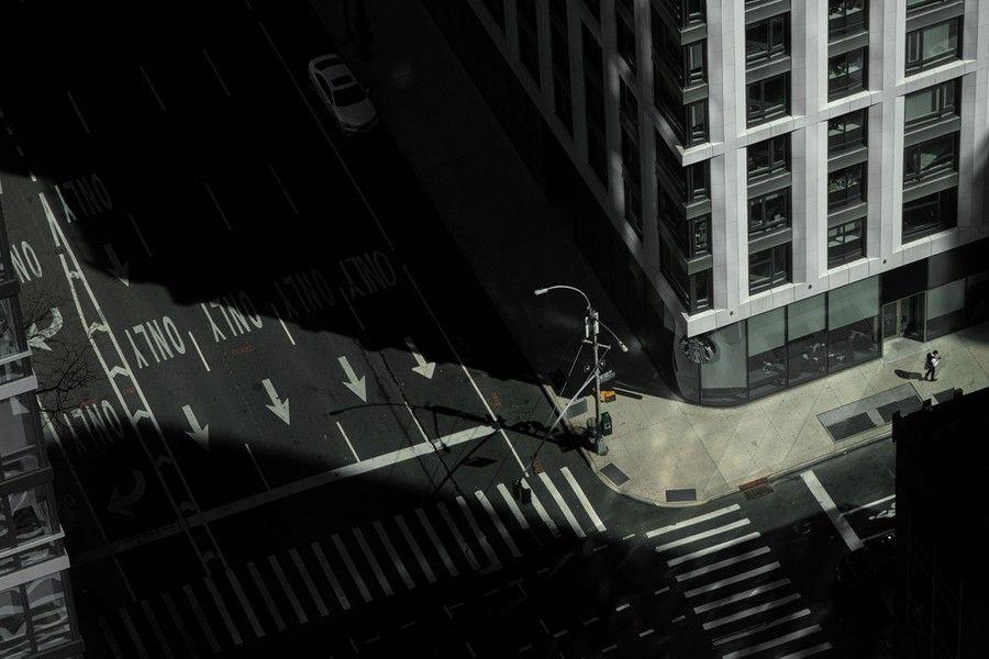 Một con đường vắng vẻ tại bang Manhattan, Mỹ. (Nguồn: Reuters)