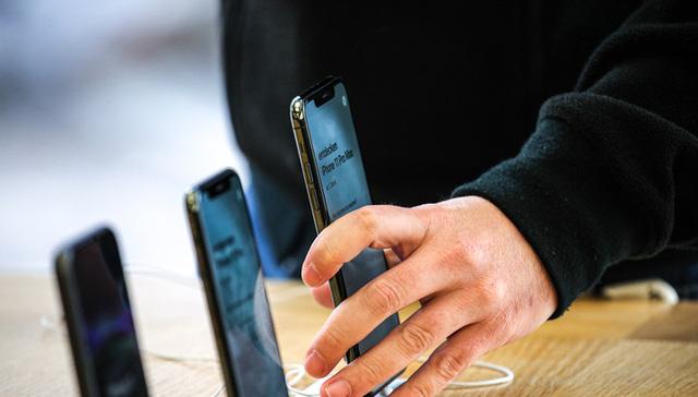 iPhone 5G bị lùi lịch sản xuất