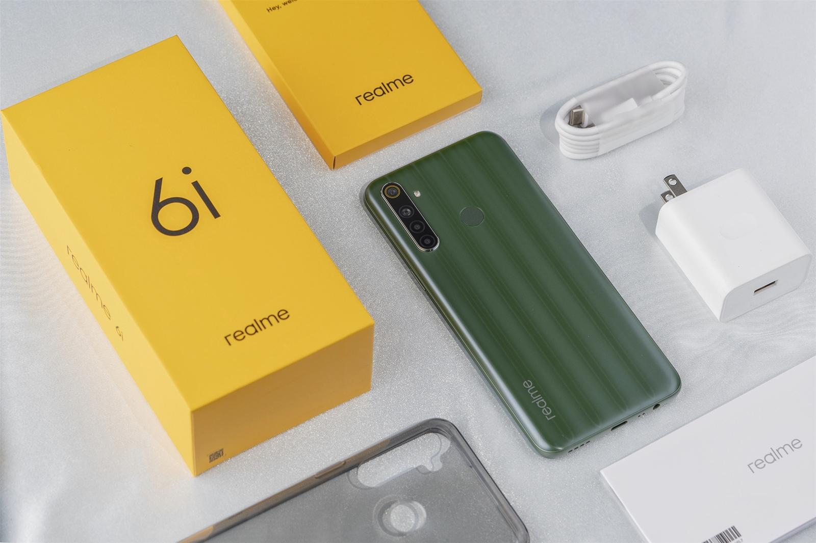 Mở hộp điện thoại Realme 6i