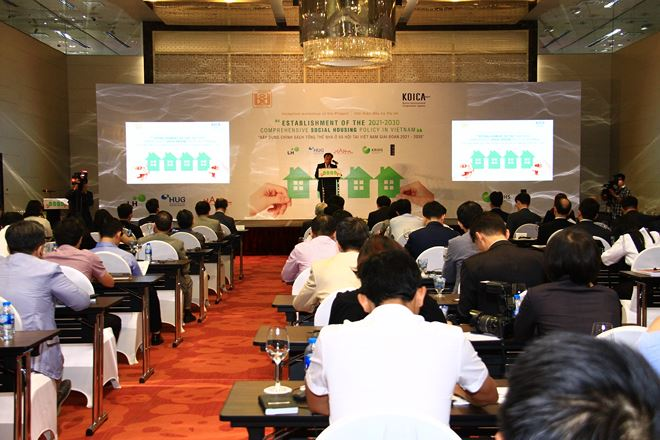 """Establishment of the 2021-2030 Comprehensive Social Housing Policy in Vietnam"" seminar."